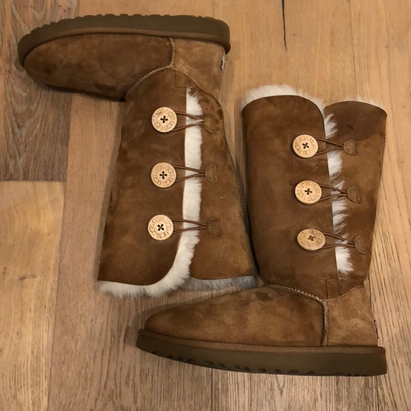 18afd62da9a Authentic Tall Bailey Button Uggs. S/N 1873